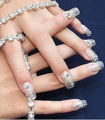 I Do , But It Takes Time .... Right ? Ahhh Its Real Cool , Makes your Hands Looks good , Gives tu style .... So I Do Like To Do Nail Art ....