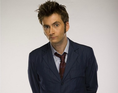 Someone that looks like David Tennant! :D (I wish) x3