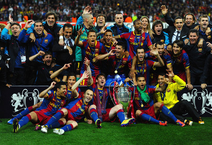 my kegemaran sport to watch is football<3..(not the american one!!i mean football(soccer))..and my kegemaran team is Barcelona:D,and my fav. Player is Leo Messi^_^ I like playing sports sooo much..my kegemaran are Tenis and swimming:)