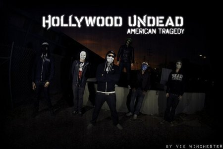 Hollywood Undead havent broken up,Deuce was kicked out because he wanted to bring his assitent on tour and it cost $800 to fly him/her out everyweek and when he didnt turn up Charlie scene had to sing all his parts with help i guess.