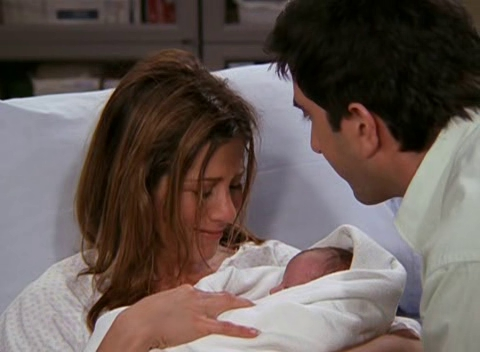 I'm a huge Ross and Rachel fã and the episode TOW Rachel Has a Baby is one of my favorite. It has funny and sensitive parts, too. Totally amor it.