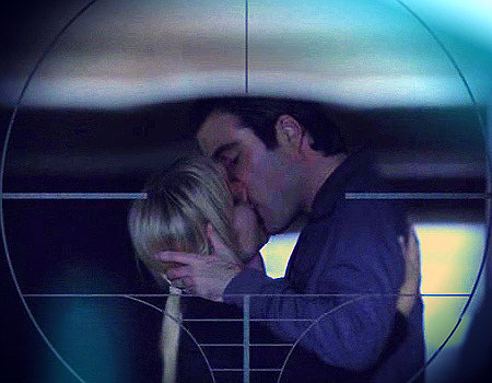 sylar & elle from 超能英雄 are my OTP. coming close are chuck&sarah, logan&veronica michael&nikita, damon&elena, hanna&caleb, abby&jimmy, & clark&lois. i 爱情 SO many couples!