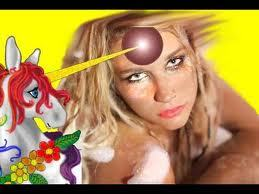 ok now we all know everyones mines are a like twisted ,so whats the most inaproprite thing u can think of that this kesha's sayin to the unicorn???????:)