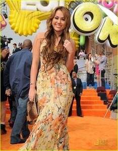 nick awards dress