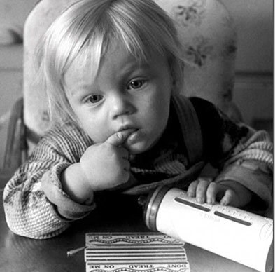Who moviestar over 25,was cuter as Kid for you? i think Leonardo Di caprio was so Adorable:D