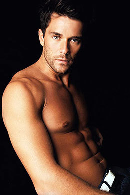 Do あなた think this actor (Mariano Martinez) is hot?