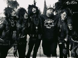 What is Du fav metal oder rock band?