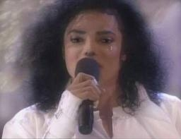mj is sweet when he cry right mj family?