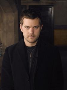Do toi like his character on Fringe?
