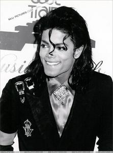 -Hey- If あなた had a 年 with Michael Jackson what would あなた to do?
