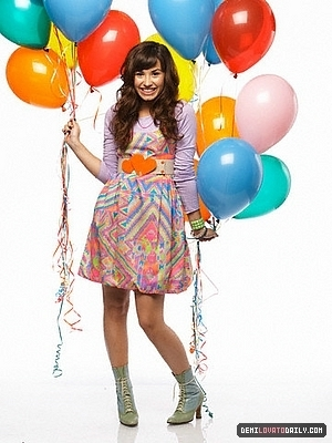 Post A Pic Of Demi Holding Balloons Demi Lovato Answers