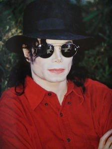 Does anyone else think Michael is EXTREMELY sexy and gorgeous when he DOESN'T SMILE?????