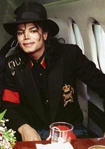 If あなた could go out on a 日付 with Michael, where would あなた want to go and what would want to do?