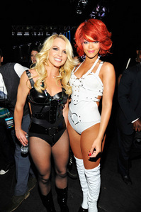 Post a picture of Britney with a celebrity !!!