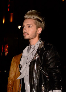 When 你 guys had seen bill's new hair colour ( blond ), did 你 stare at that 照片 ?