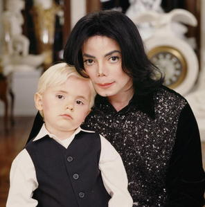 heyyyyyyyyyyyyyyy welcome back the MJ spot is ROCKIN ! like alwayssss :D