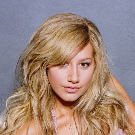 100% Ashley <3 her voice is even better!