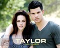 i'm on team jacob so i would say that stephine meyer should pick and alternate ending when bellas picks jacob.