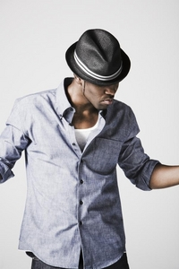 its hard to chose!!! i like so many diff people and genres!!! right now i amor jason derulo:) jsut got his CD