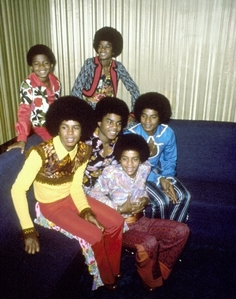 About 12 cds The Jackson 5 Diana Ross Presents the Jackson 5 Tour (1970)[28] ABC Tour (1970)[28] Third Album Tour (1970)[28] Third Album/The Jackson 5 Weihnachten Album Tour (1970–1971)[28] Third Album Tour (1971)[28] Maybe Tomorrow Tour (1971)[28] Goin' Back to Indiana Tour (1971–1972)[28] Lookin' Through the Windows Tour (1972–1973)[28] Skywriter Tour (1973)[28] G.I.T.: Get It Together Tour (1973–1974)[28] Dancing Machine Tour (1974–1975)[28] Moving Violation Tour (1975–1976)[28]