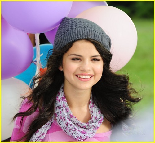 ...??? so what do u think *leave a comment*smiling sel!