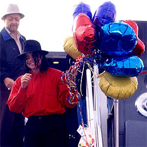 <3 Happy birthday liberiangirl_mj <3 I hope wewe have great siku and hope that wewe get many great gifts! I wish wewe the best :D.. upendo you!!!