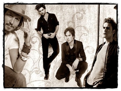 This: I share my computer with my sister. I'm with Johnny Depp an Ian Somerhalder, and she's with Robert Pattinson and Paul Wesley. I made this hình nền to please us both ^_^