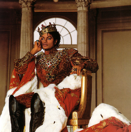 I agree with Vexi!! It's really beautifull :D.. I wish there was a prince on a white horse like Michael :)! <3