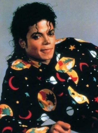 Does this pic look like he is wearing pjs? Also its from the Bad era..