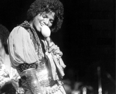 I love this one!!!MJ show your talent ahaha :P