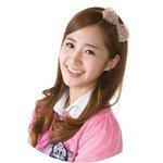 Yuri has sweet smile and Tiffany too.