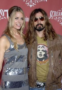Rob and Sheri Moon Zombie. One of my few प्रिय directors and one of my few प्रिय actresses. They both kick ass.