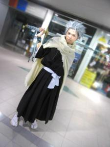 Oh,it is.Its Toshiro Hitsugaya in real life....-glomps him-