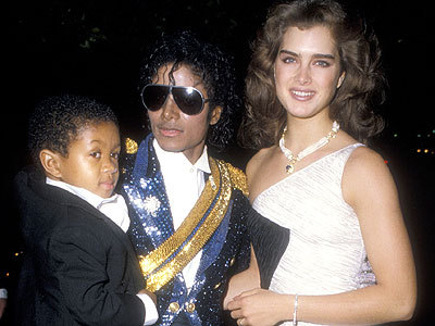 Awww yeah, He is so adorable! and so lucky to be dancing with Michael! I just amor this picture