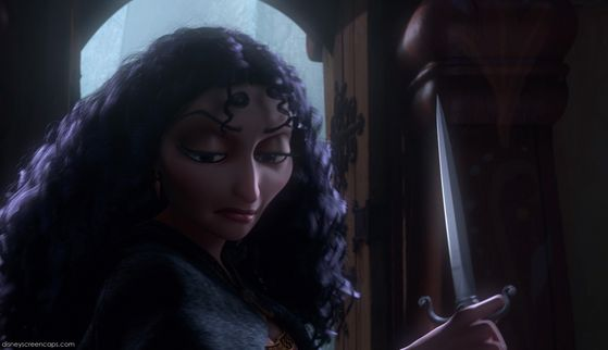 Here is Gothel with the non bloody knife.