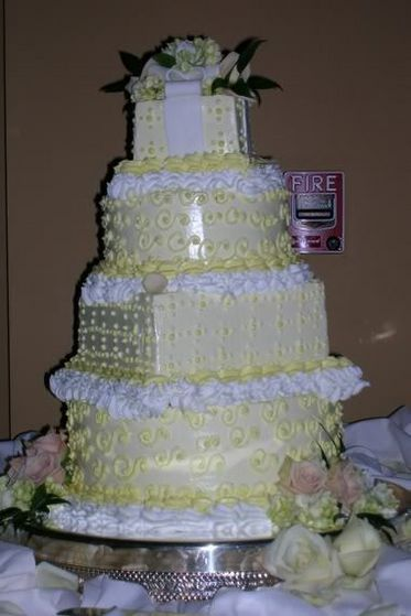 The cake that Ayanna and Jason finally agreed on