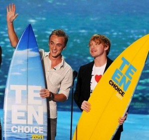 ভ্যাম্পায়ার and wizards? They took over the Teen Choice Awards in Los Angeles on Sunday!
