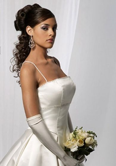Ayanna wedding dress and hairstyle