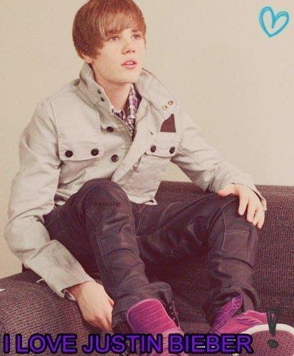 I l'amour Justin Bieber.! ;)