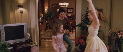 The happy ending was my favourite scene in this movie as it was so cheesy and so corny I couldn't stop laughing when Robert starting doing this weird irish jig dance and his facial expressions was funny.