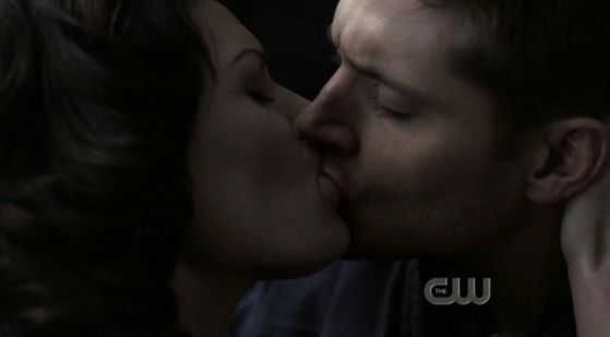 """Dean seals the deal with a 吻乐队(Kiss) to bring Sam back in """"All Hell Breaks Loose pt 2"""""""