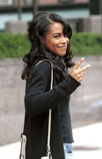 aaliyah_93257_1.jpg?cache=1296322929