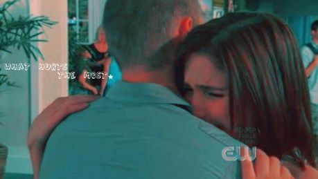 Season 5 Airport Hug <3