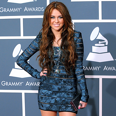 Round 1 OPEND ~ Miley in a blue dress Good Luck!! BTW - te can post a long o short dress,and te