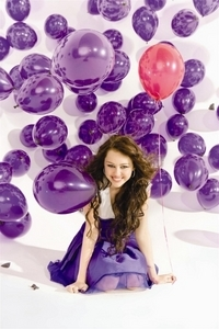 This Is My Fav Pic Of Her In Purple!!!!! Hope te Like It!!!!!