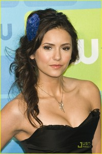 I post this picture because I love Nina's hair(i love you Nina<3)