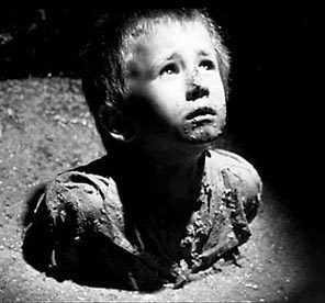 [b]Day 4 - A movie that makes Du sad[/b] [i]Schindler's List[/i] I think it's pretty self-explanat