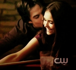 giorno 1: What is your current preferito ship? DAMON AND ELENA <3