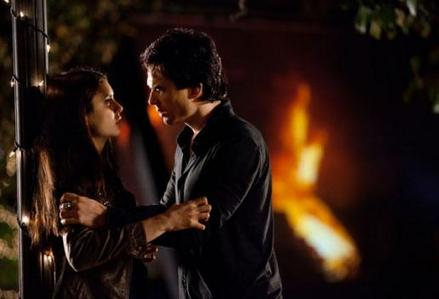 dia 7: The most heartbreaking scene. Damon drinks Elena's blood