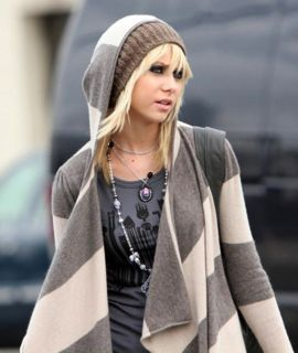 Day 14 – Something I hate about Gossip Girl: That Jenny was in gossip Girl, she really annoyed me.